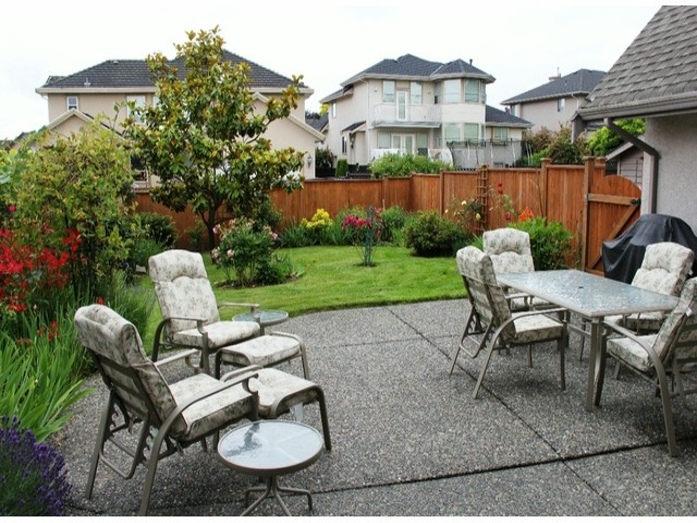 "Photo 16: 19138 64TH Avenue in Surrey: Cloverdale BC House for sale in ""BAKERVIEW"" (Cloverdale)  : MLS® # F1415357"
