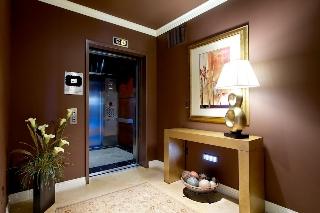 Main Photo: SAN DIEGO Condo for sale : 3 bedrooms : 2500 6th Avenue #405