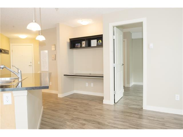 Photo 9: 206 120 COUNTRY VILLAGE Circle NE in Calgary: Country Hills Village Condo for sale : MLS(r) # C4028039
