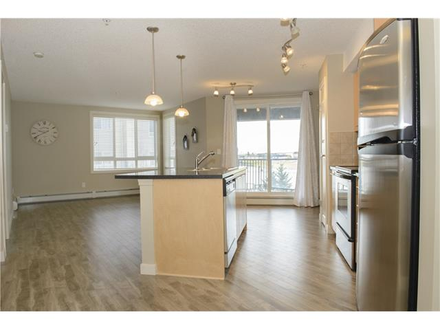 Photo 4: 206 120 COUNTRY VILLAGE Circle NE in Calgary: Country Hills Village Condo for sale : MLS(r) # C4028039