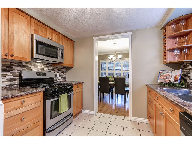 Photo 5: 13 20653 THORNE Avenue in Maple Ridge: Southwest Maple Ridge Townhouse for sale : MLS(r) # R2019455