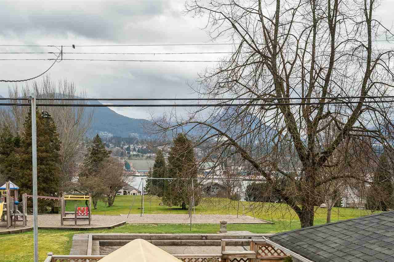 Photo 14: 2653 TRINITY Street in Vancouver: Hastings East House for sale (Vancouver East)  : MLS(r) # R2044398
