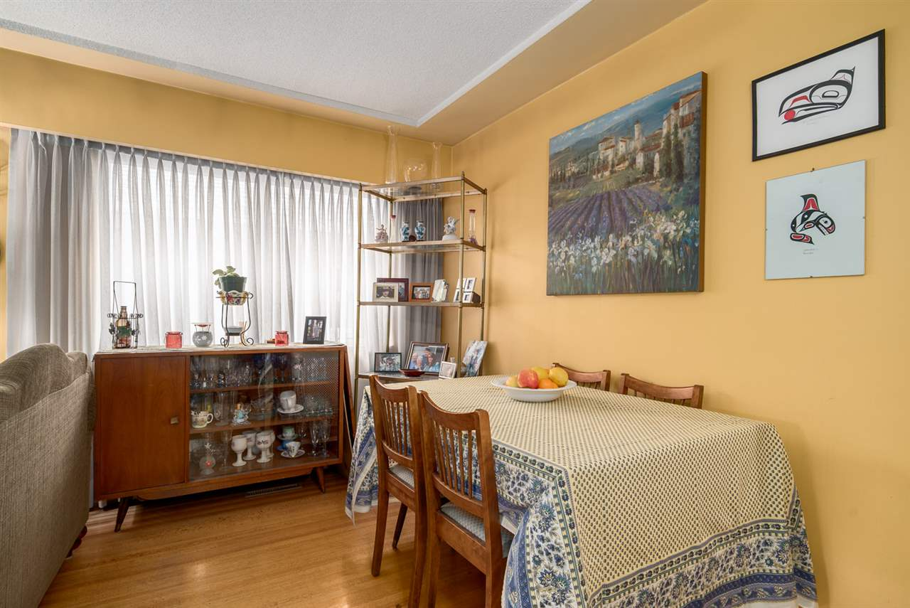 Photo 5: 2653 TRINITY Street in Vancouver: Hastings East House for sale (Vancouver East)  : MLS(r) # R2044398