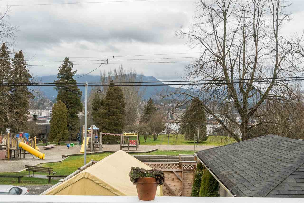 Photo 15: 2653 TRINITY Street in Vancouver: Hastings East House for sale (Vancouver East)  : MLS(r) # R2044398