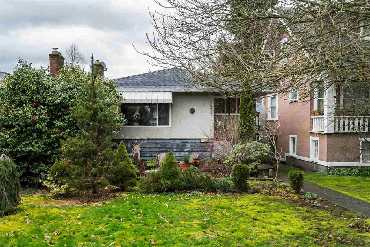Photo 2: 2653 TRINITY Street in Vancouver: Hastings East House for sale (Vancouver East)  : MLS(r) # R2044398