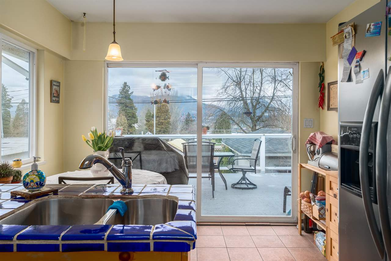 Photo 8: 2653 TRINITY Street in Vancouver: Hastings East House for sale (Vancouver East)  : MLS(r) # R2044398