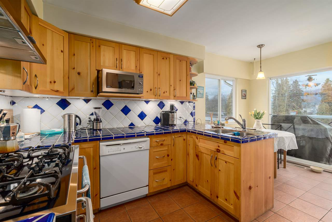 Photo 7: 2653 TRINITY Street in Vancouver: Hastings East House for sale (Vancouver East)  : MLS(r) # R2044398