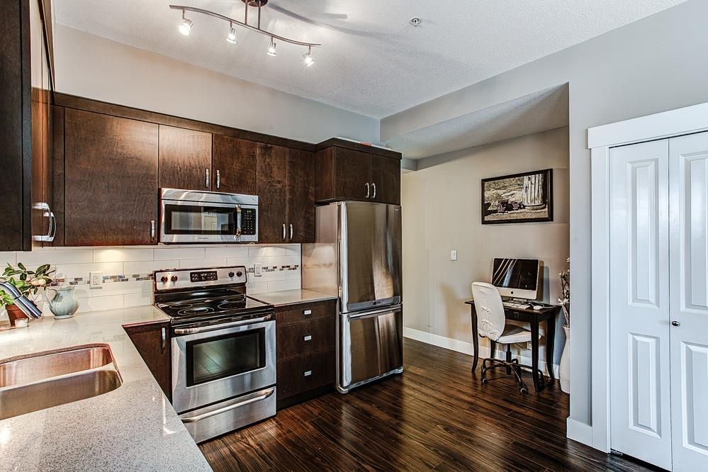 "Photo 5: 9 838 ROYAL Avenue in New Westminster: Downtown NW Townhouse for sale in ""Brickstone Walk"" : MLS(r) # R2044563"