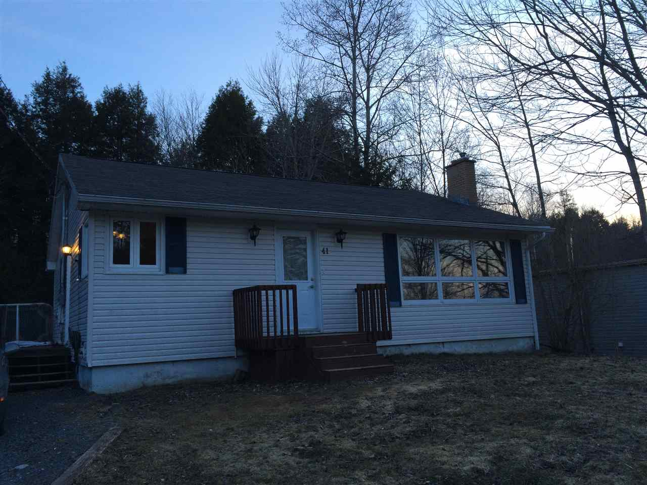 Main Photo: 41 TUCKER LAKE Road in Beaver Bank: 26-Beaverbank, Upper Sackville Residential for sale (Halifax-Dartmouth)  : MLS® # 201606118