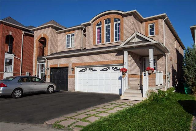 Main Photo: 530 Rossellini Drive in Mississauga: Meadowvale Village House (2-Storey) for sale : MLS(r) # W3554036
