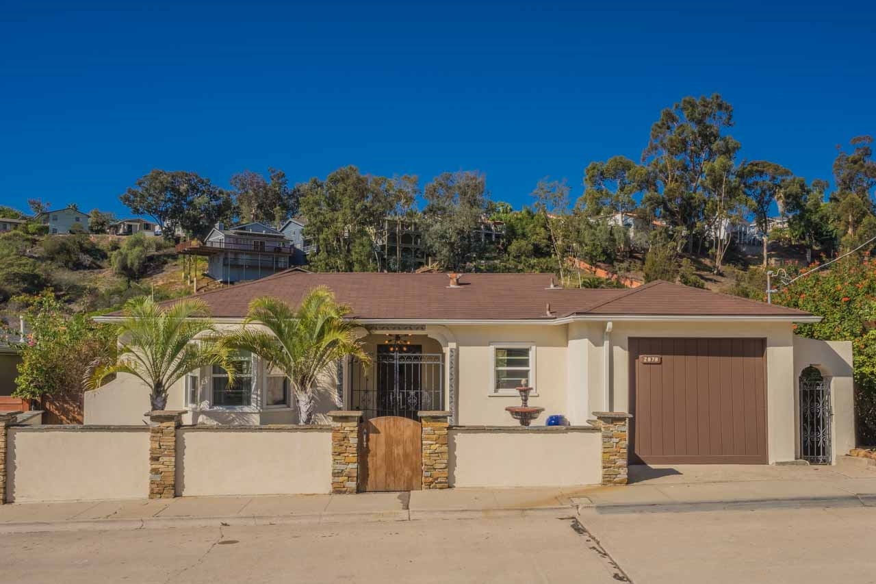 Main Photo: MISSION HILLS House for sale : 2 bedrooms : 2878 Eagle St in San Diego