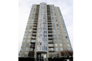 "Main Photo: 301 14820 104TH Avenue in Surrey: Guildford Condo for sale in ""CAMELOT"" (North Surrey)  : MLS(r) # R2128065"