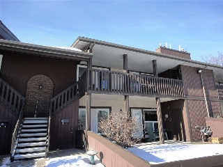 Main Photo: 135 Surrey Gardens in Edmonton: Zone 20 Carriage for sale : MLS(r) # E4049941