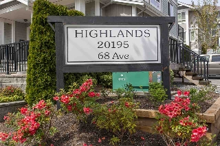 "Main Photo: 6 20195 68 Avenue in Langley: Willoughby Heights Townhouse for sale in ""The Highlands"" : MLS(r) # R2162424"