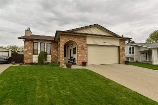 Main Photo: 320 DUNLUCE Road in Edmonton: Zone 27 House for sale : MLS(r) # E4063927