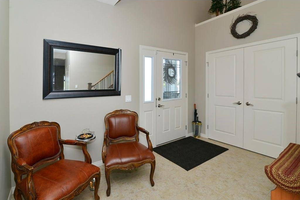 Photo 2: 287 LAKESIDE GREENS Drive: Chestermere House for sale : MLS® # C4122388