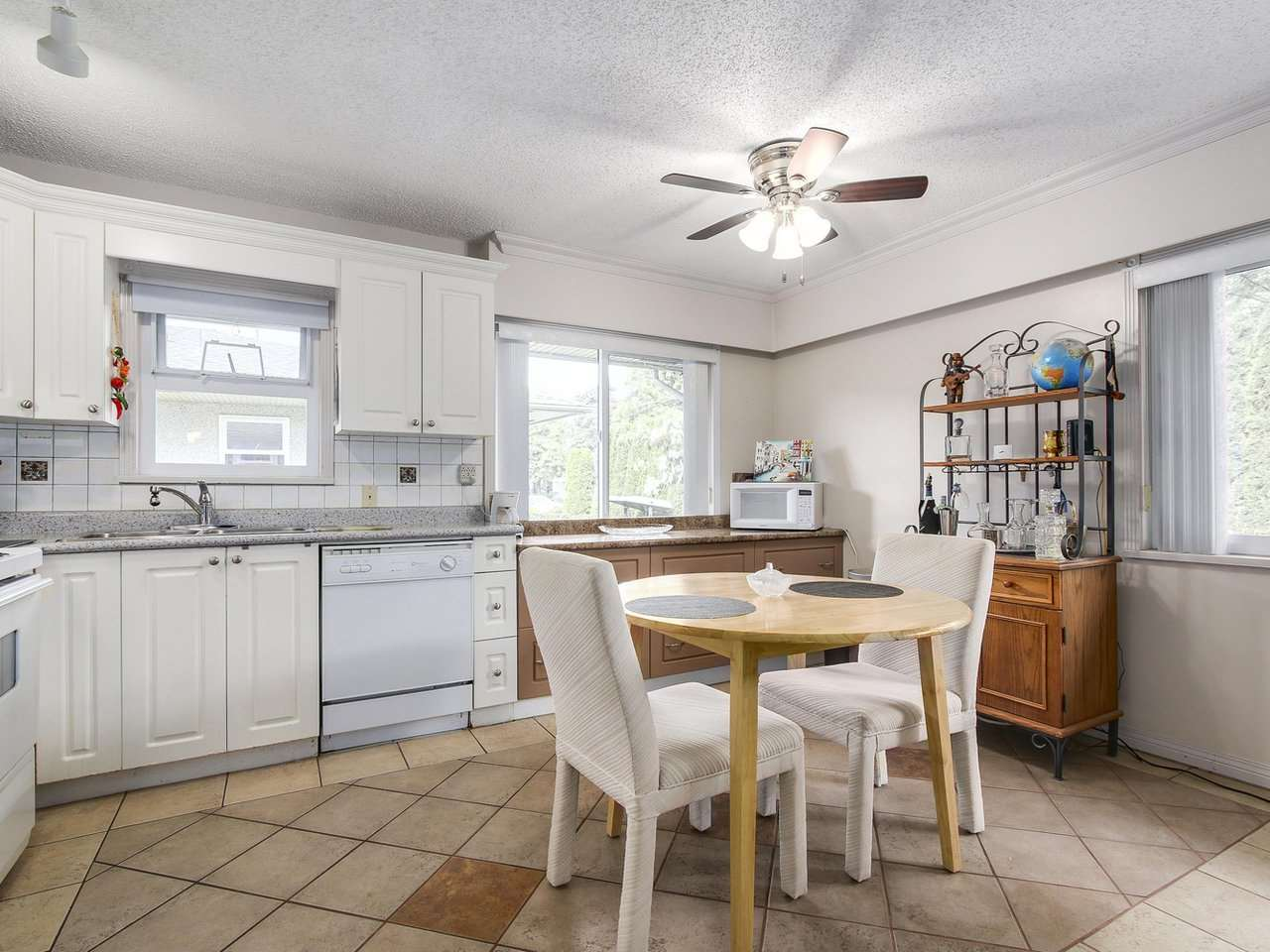 Photo 8: C 5068 47A Avenue in Delta: Ladner Elementary House 1/2 Duplex for sale (Ladner)  : MLS(r) # R2179730