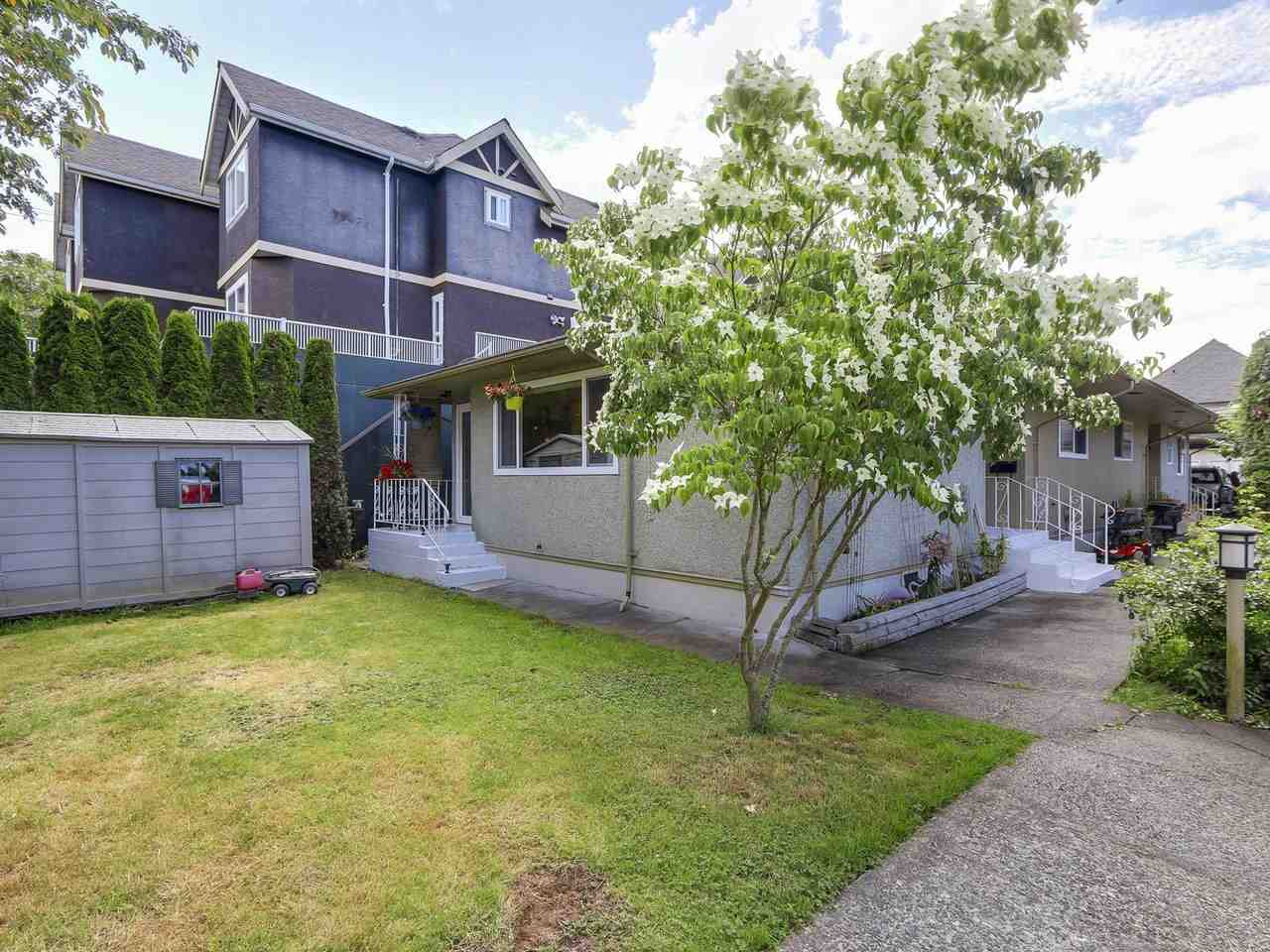 Photo 2: C 5068 47A Avenue in Delta: Ladner Elementary House 1/2 Duplex for sale (Ladner)  : MLS(r) # R2179730