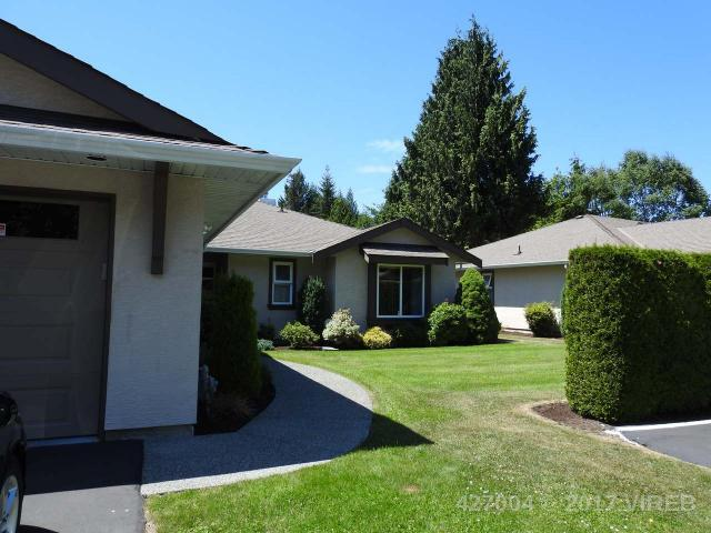 Main Photo: 10 820 CHESTNUT STREET in QUALICUM BEACH: Z5 Qualicum Beach Condo/Strata for sale (Zone 5 - Parksville/Qualicum)  : MLS® # 427004