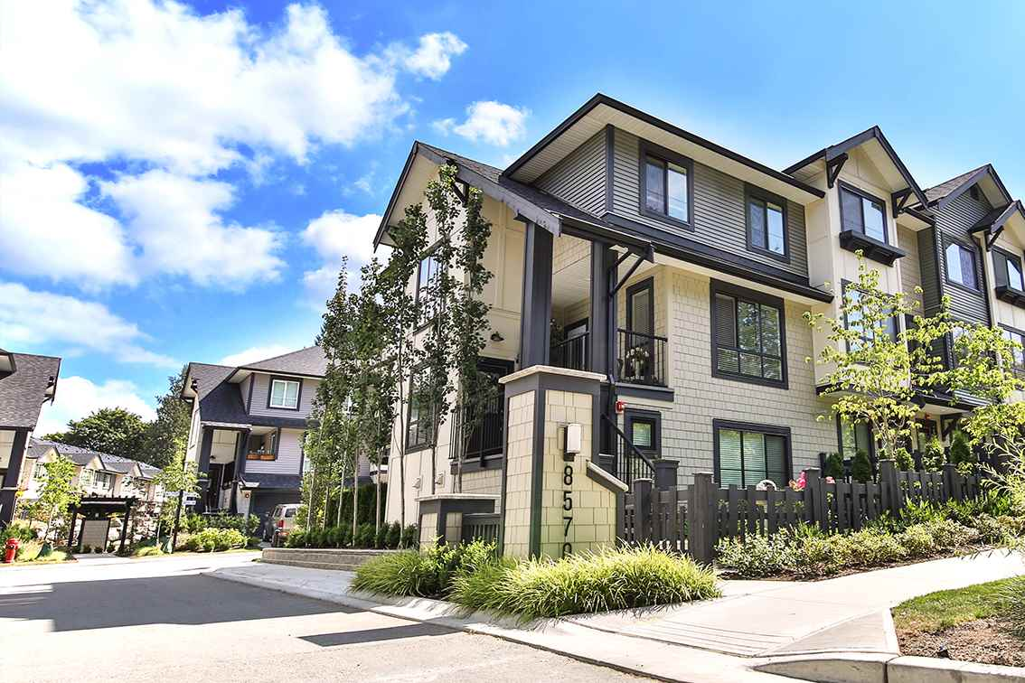 "Main Photo: 100 8570 204 Street in Langley: Willoughby Heights Townhouse for sale in ""Woodland Park"" : MLS® # R2197736"