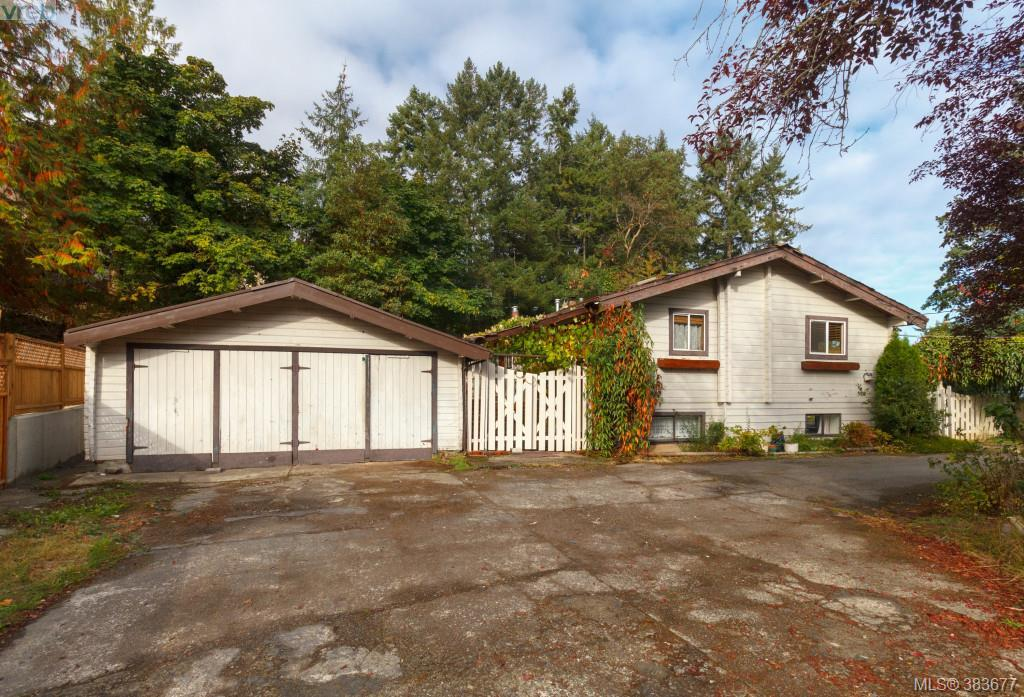 Main Photo: 6898 Woodward Drive in BRENTWOOD BAY: CS Brentwood Bay Single Family Detached for sale (Central Saanich)  : MLS® # 383677