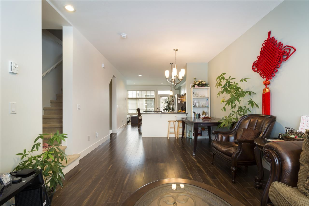 "Photo 4: Photos: 12 19525 73 Avenue in Surrey: Clayton Townhouse for sale in ""UPTOWN"" (Cloverdale)  : MLS® # R2217576"