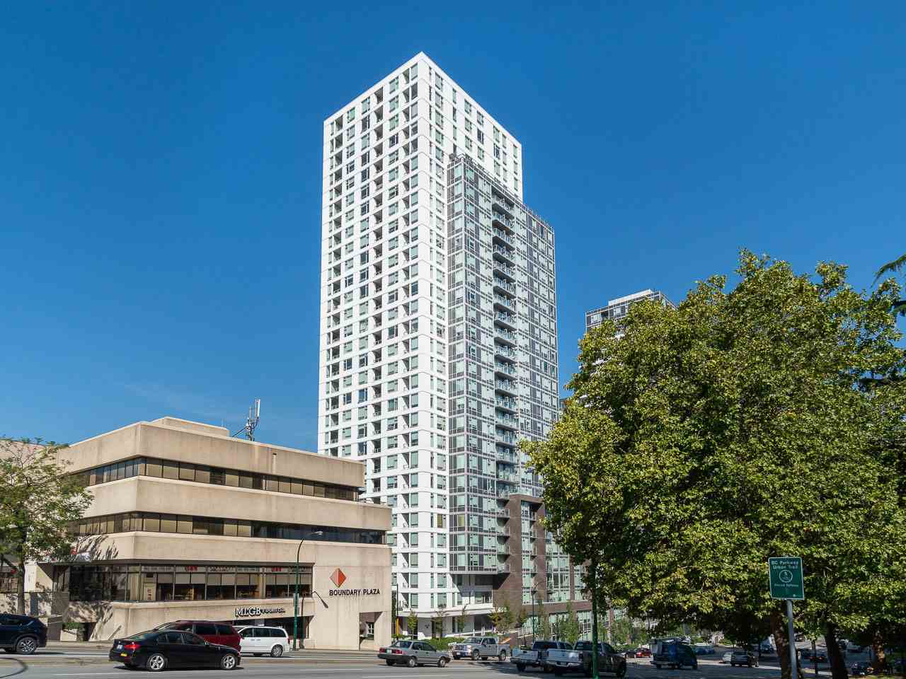 "Main Photo: 1012 5665 BOUNDARY Road in Vancouver: Collingwood VE Condo for sale in ""WALL CENTRE CENTRAL PARK SOUTH"" (Vancouver East)  : MLS®# R2314218"