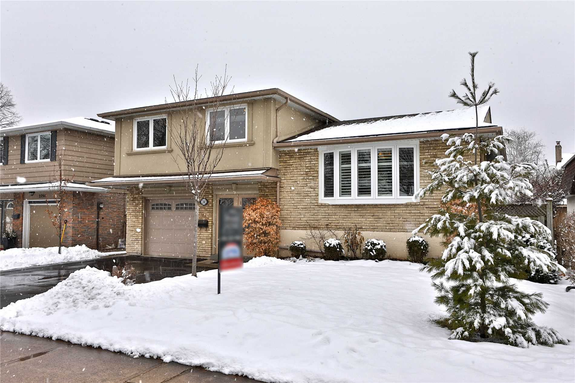 FEATURED LISTING: 2302 Wyandotte Drive Oakville