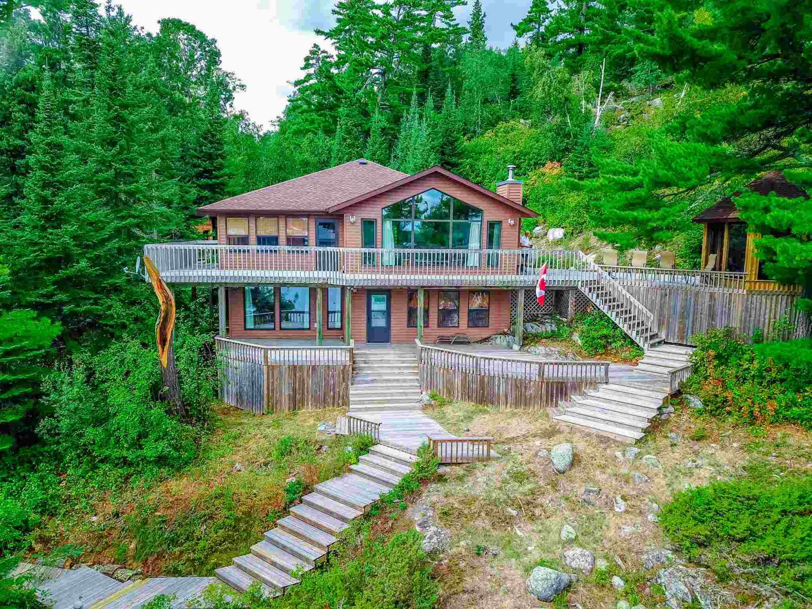FEATURED LISTING: 48 LILY PAD BAY KENORA