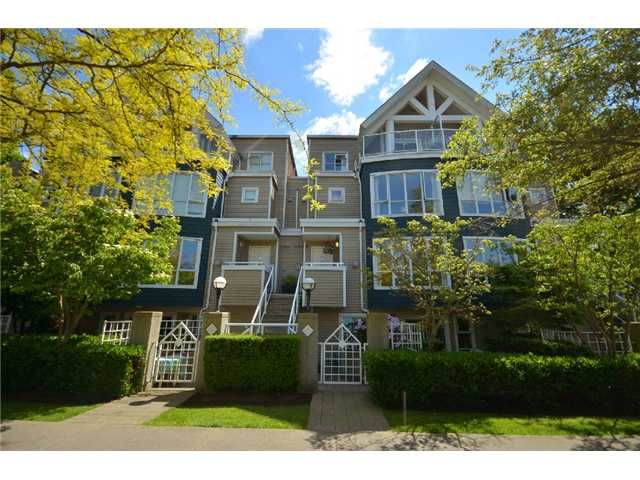 "Main Photo: 796 W 15TH Avenue in Vancouver: Fairview VW Townhouse for sale in ""SIXTEEN WILLOWS"" (Vancouver West)  : MLS®# V894802"