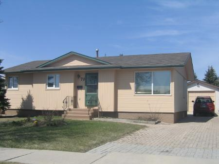 Main Photo: 70 Herron Rd.: Residential for sale (Maples)  : MLS® # 2807401