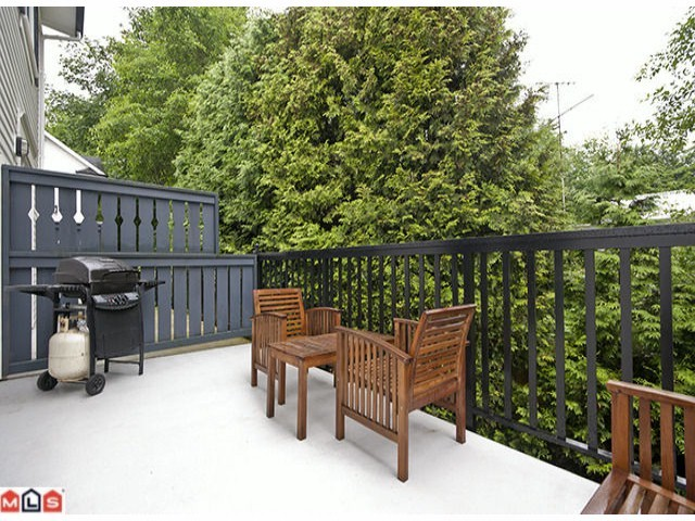Photo 9: 30 8767 162ND Street in Surrey: Fleetwood Tynehead Condo for sale : MLS® # F1223308