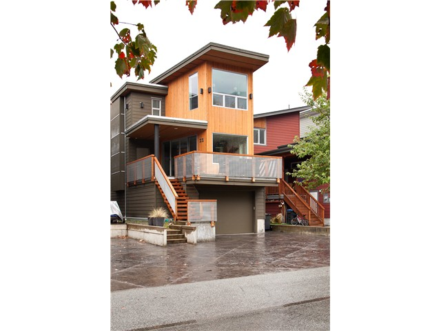 Main Photo: 23 40137 GOVERNMENT Road in Squamish: Garibaldi Estates House for sale : MLS®# V990866