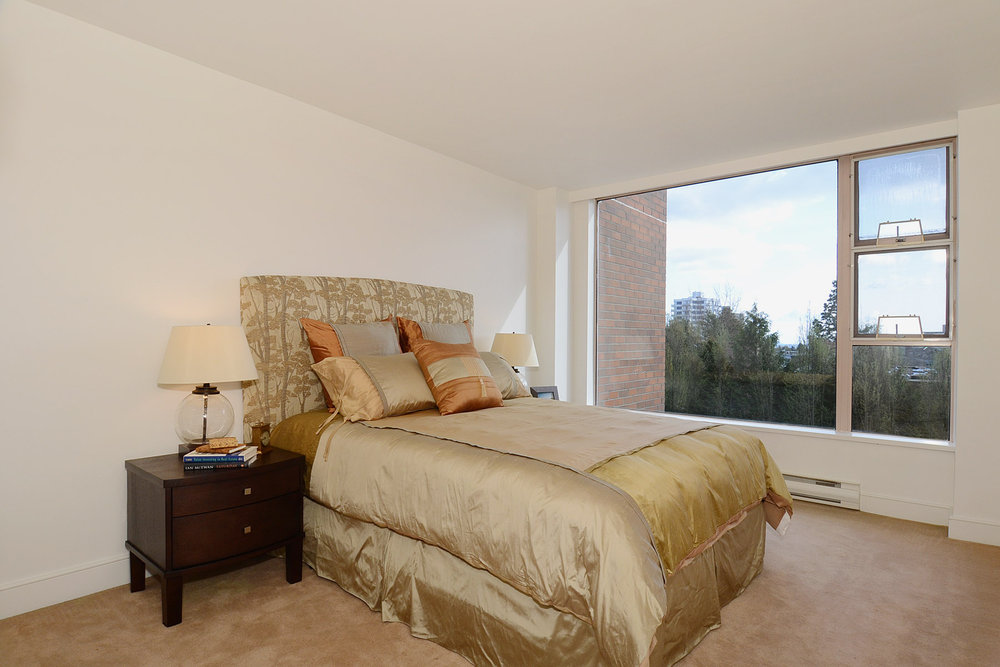 Photo 6: 402 2350 West 39th Avenue in ST. MORITZ: Kerrisdale Home for sale ()