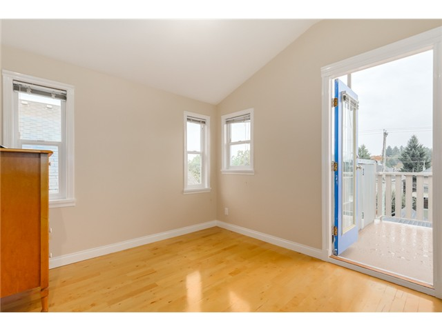 Photo 17: 1538 E 10TH Avenue in Vancouver: Grandview VE House 1/2 Duplex for sale (Vancouver East)  : MLS(r) # V1092394