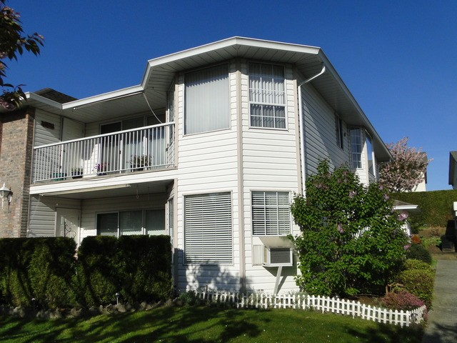Main Photo: 8 2901 TRAFALGAR Street in Abbotsford: Central Abbotsford Townhouse for sale : MLS® # F1438526