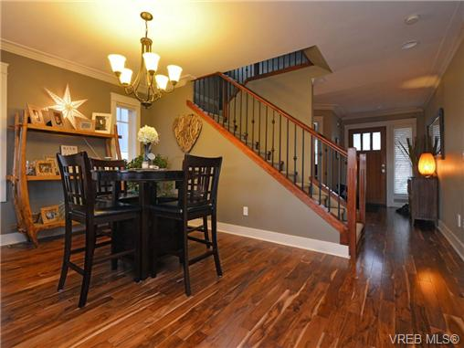 Photo 5: 2101 Bishops Gate in VICTORIA: La Bear Mountain Single Family Detached for sale (Langford)  : MLS(r) # 359260