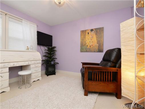 Photo 15: 2101 Bishops Gate in VICTORIA: La Bear Mountain Single Family Detached for sale (Langford)  : MLS(r) # 359260