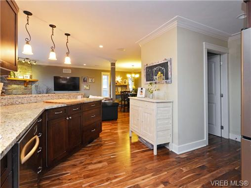 Photo 8: 2101 Bishops Gate in VICTORIA: La Bear Mountain Single Family Detached for sale (Langford)  : MLS(r) # 359260