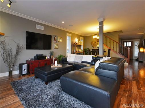 Photo 4: 2101 Bishops Gate in VICTORIA: La Bear Mountain Single Family Detached for sale (Langford)  : MLS(r) # 359260