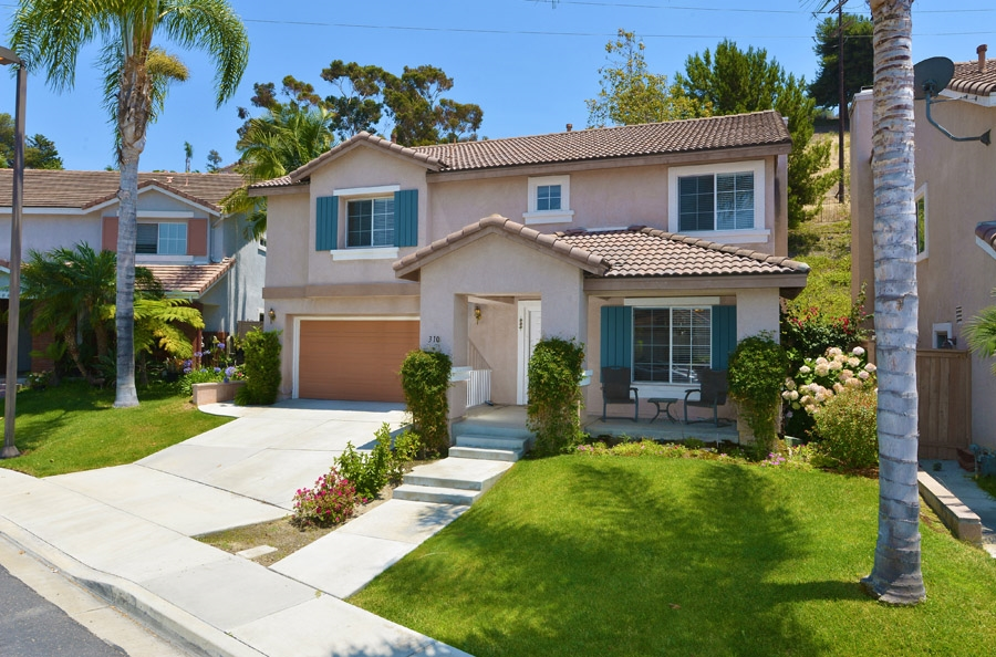 Main Photo: OCEANSIDE House for sale : 4 bedrooms : 310 La Soledad Way