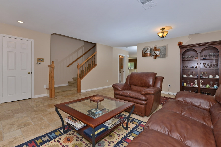 Photo 5: OCEANSIDE House for sale : 4 bedrooms : 310 La Soledad Way