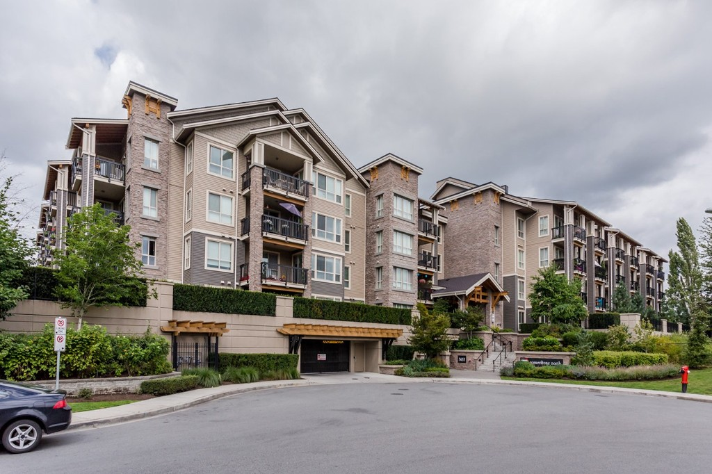 "Main Photo: 215 5655 210A Street in Langley: Salmon River Condo for sale in ""CORNERSTONE NORTH"" : MLS®# R2093089"