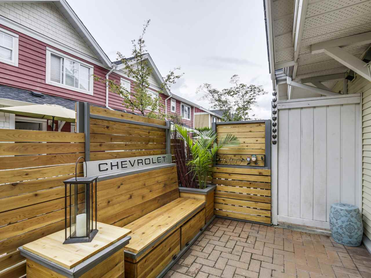 "Photo 3: 66 620 QUEENS Avenue in New Westminster: Uptown NW Townhouse for sale in ""ROYAL CITY TERRACE"" : MLS® # R2105755"