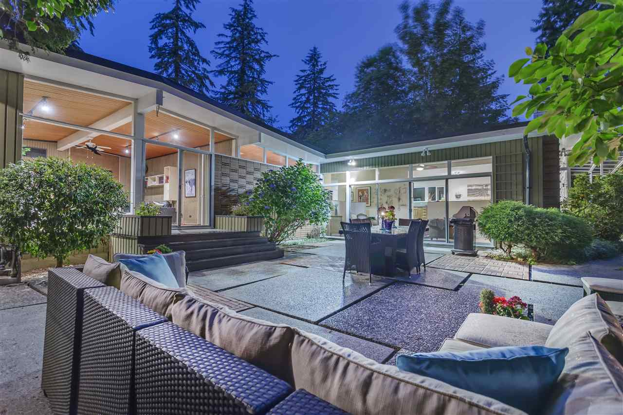 Main Photo: 810 AUSTIN Avenue in Coquitlam: Coquitlam West House for sale : MLS® # R2107999