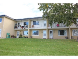 Main Photo: 338 2211 19 Street NE in Calgary: Vista Heights House for sale : MLS(r) # C4093782