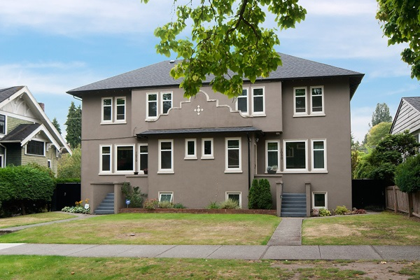 "Main Photo: 1070-80 W 15TH Avenue in Vancouver: Fairview VW House for sale in ""Fairview"" (Vancouver West)  : MLS®# R2133883"