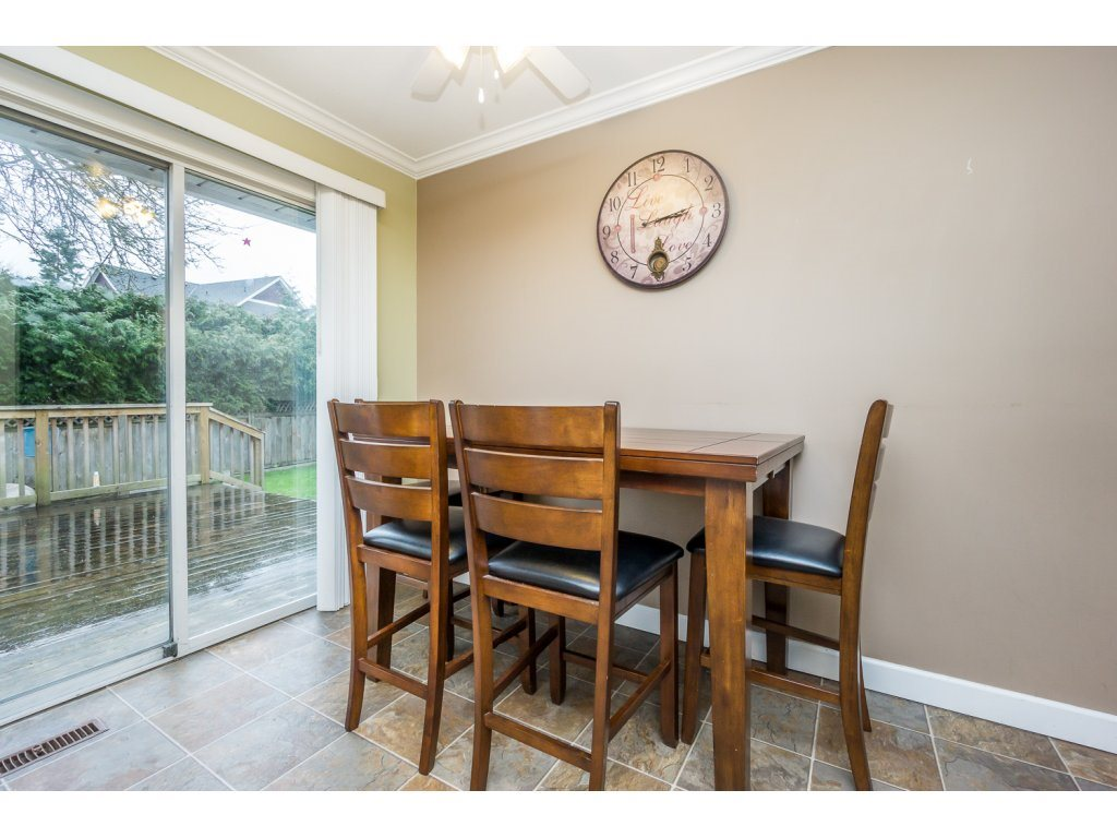"Photo 10: 17346 60A Avenue in Surrey: Cloverdale BC House for sale in ""WEST CLOVERDALE"" (Cloverdale)  : MLS(r) # R2148162"