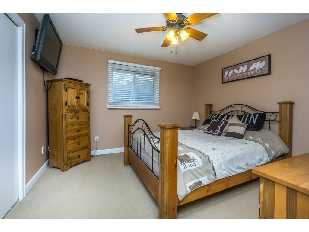 "Photo 13: 17346 60A Avenue in Surrey: Cloverdale BC House for sale in ""WEST CLOVERDALE"" (Cloverdale)  : MLS(r) # R2148162"