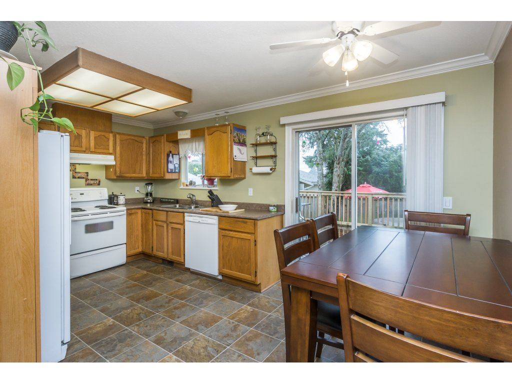 "Photo 6: 17346 60A Avenue in Surrey: Cloverdale BC House for sale in ""WEST CLOVERDALE"" (Cloverdale)  : MLS(r) # R2148162"